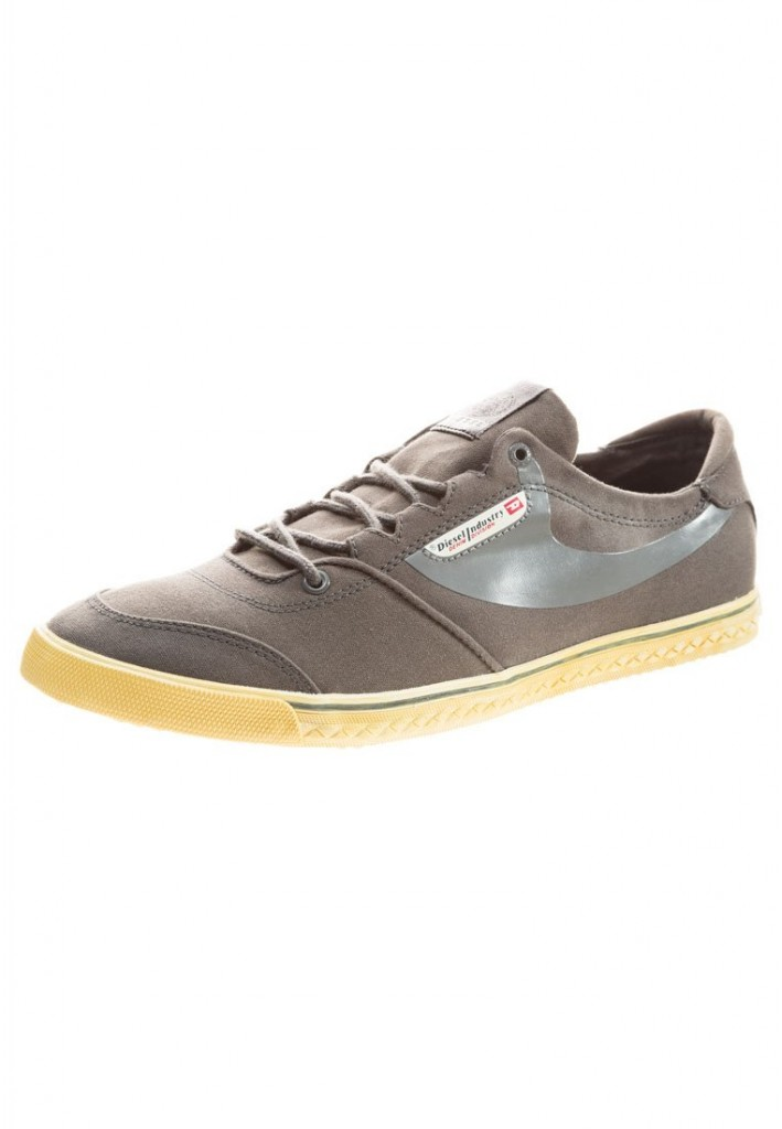 zapatos Diesel modelo Bad Praiser color gris claro