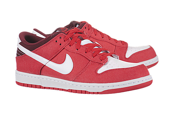 Tenis Nike Dunk Low para basketball en color rojo femeninos