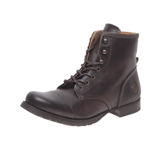 Botas chocolate con superficie lisa