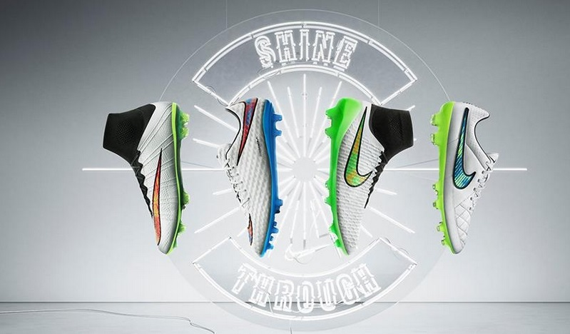 Zapatillas Shine de Nike con tonos brillantes